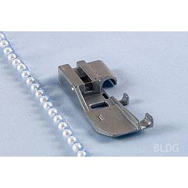 Perlen und Paillettenfuss (Overlock)